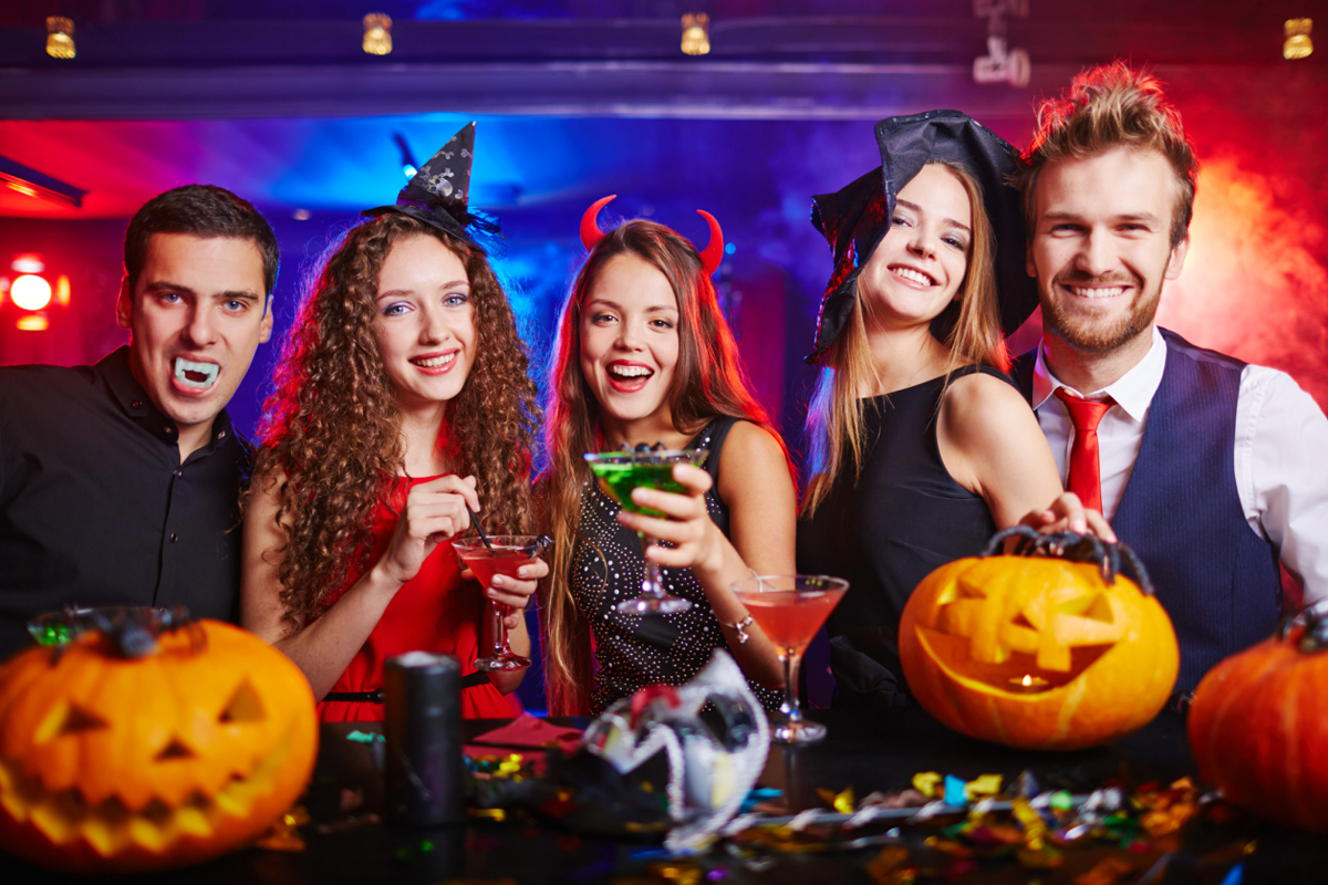 Tips for Throwing Spooktacular Party for Halloween